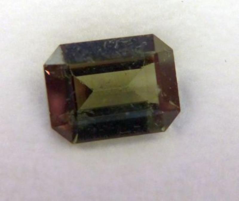 Spinell synthetisch facettiert 6-8 mm, olivgrün, 10 Stück