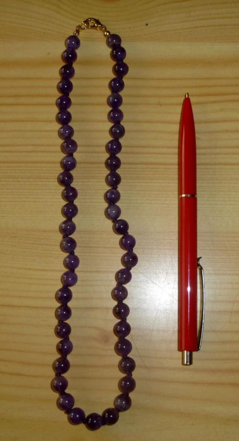 Kette aus 6 mm Amethyst (Top-Farbe!) Kugeln, 45 cm lang, 1 Stück