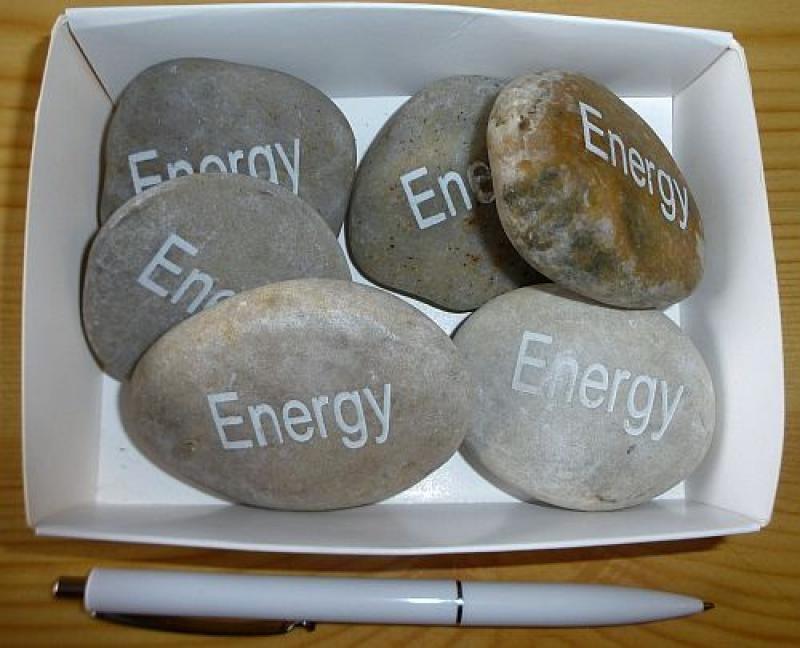 """Naturstein (Flussstein) mit Gravur """"Energy"""" 1 Stück"""