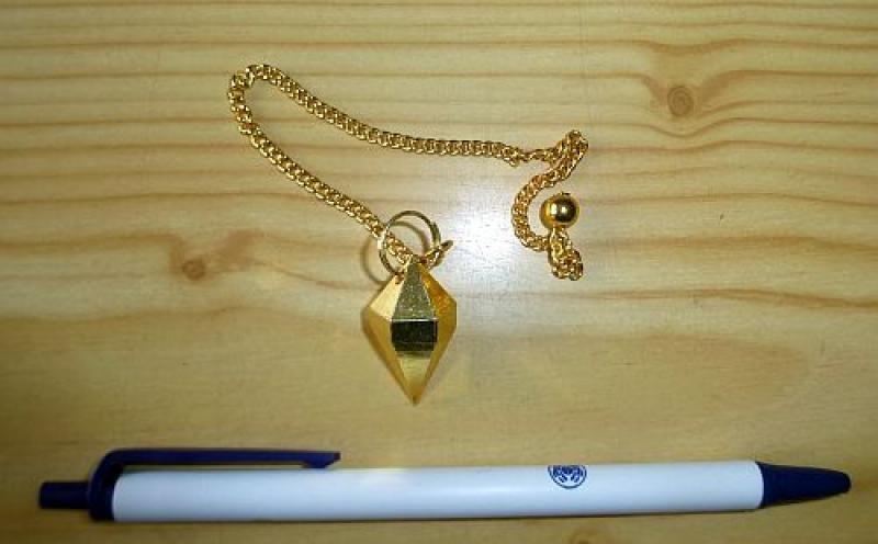 Pendel aus Goldbronze