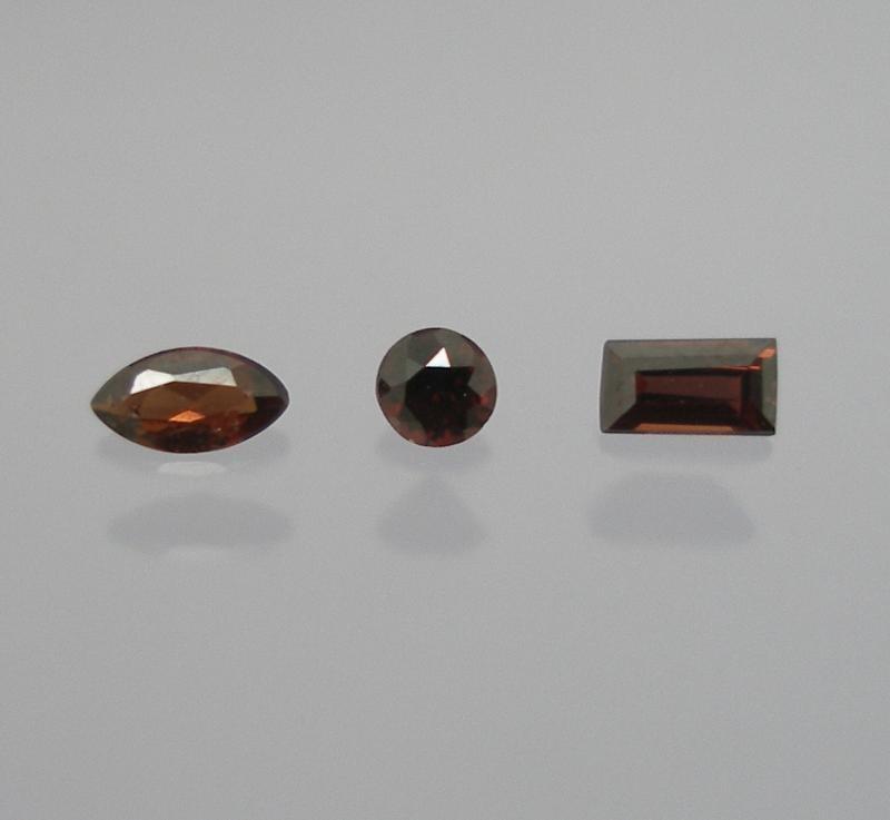 Painit facettiert 2,6 mm, Burma