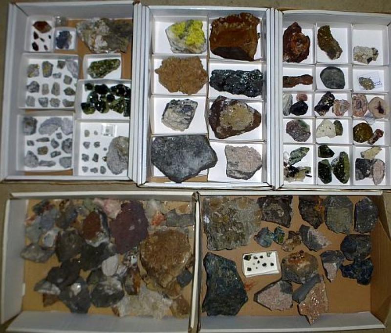 7 Kisten deutschen Mineralien (1 Partie)