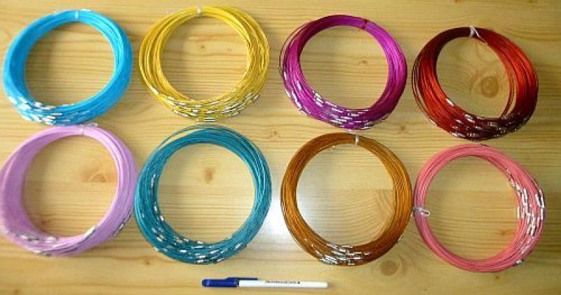 Metallband (Halskette, Halsreifen) kupfer-farben mit Schraubverschluß 10 Stück