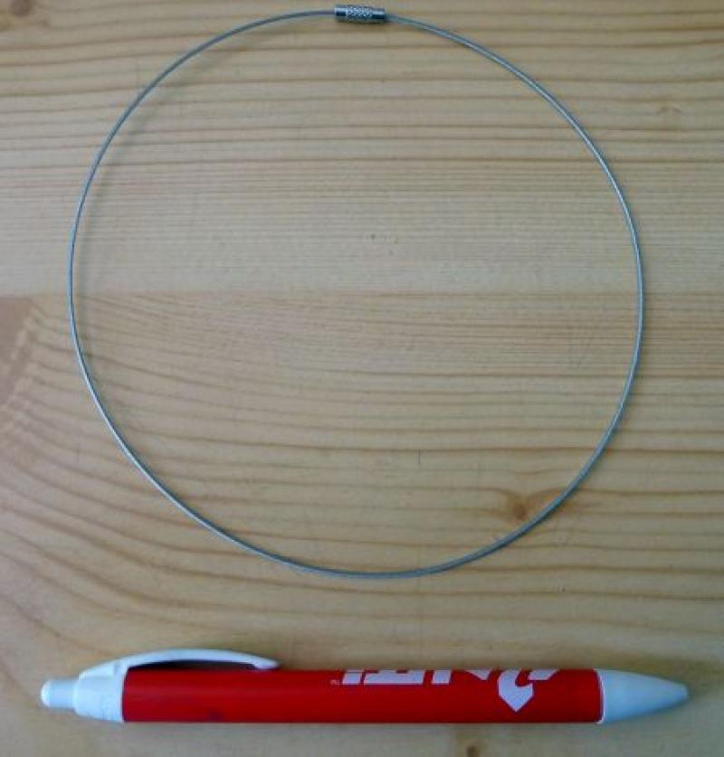 Metallband (Halskette, Halsreifen) silber mit Schraubverschluß 100 Stück