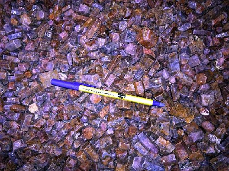 Ruby + Sapphire crystals, Tanzania, 1 kg