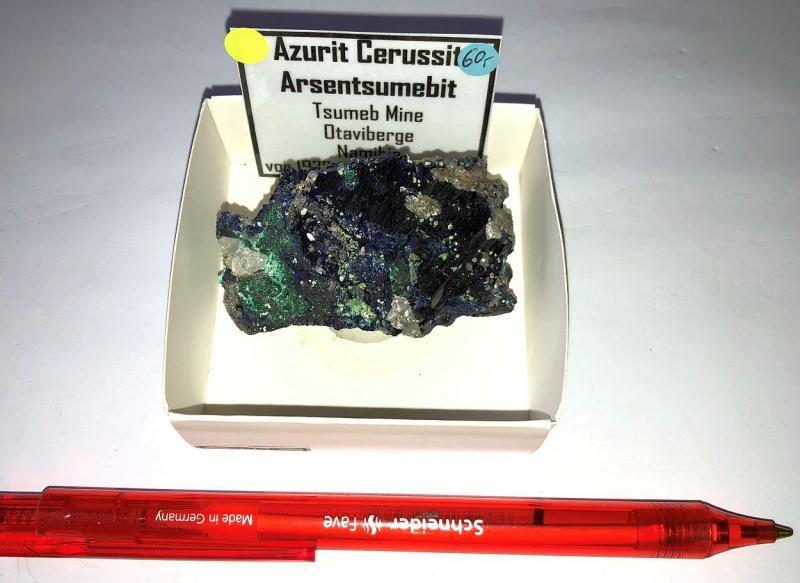Azurite + Arsentsumebite xx; Tsumeb Mine, Otavi Bergland, Namibia; NS