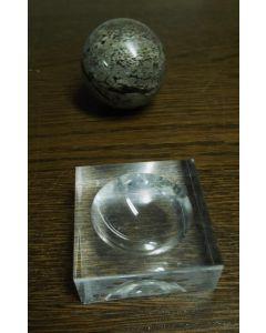 Plexiglassockel, Eier/Kugelständer, ganz poliert, 5 x 5 x 1,9 cm, 05 Stück (SD90x5)