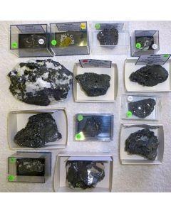 Bixbyit xx, N'Chwaning Mine, Südafrika, 1 Partie mit 13 Top-Stücken