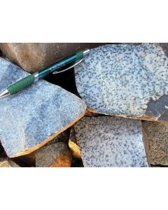 Granat + Jadeit (gepunktet), Namibia, 1 kg
