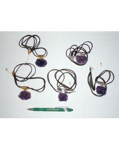 Amethyst-Druse in Metallfassung (golden/silbern) als Halskette, 10 Stück