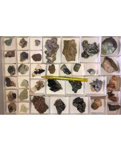 Gemischte Mineralien aus Namibia, 1 Steige