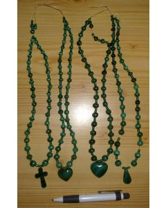 Malachite bead string with heart-pendant (hand made in the Congo) 1 piece