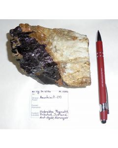 Aeschinit - (Y) xx; Slobrekka Pegmatite, Frikstad, Iveland, N; GS