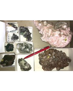Tsumeb minerals from an old collection, 1 flat with 9 specimen